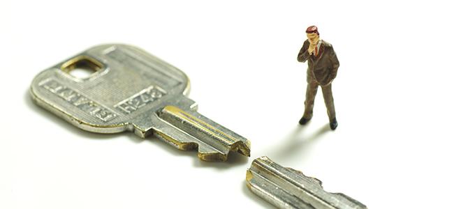 鍵が変形する原因とNG行動・正しい対処法とは