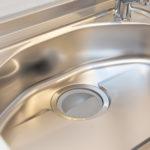 キッチンシンクをピカピカに保つ掃除方法とは?