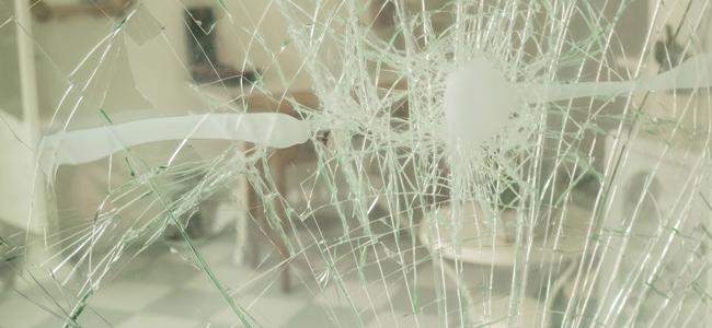 地震に強いガラスはある?