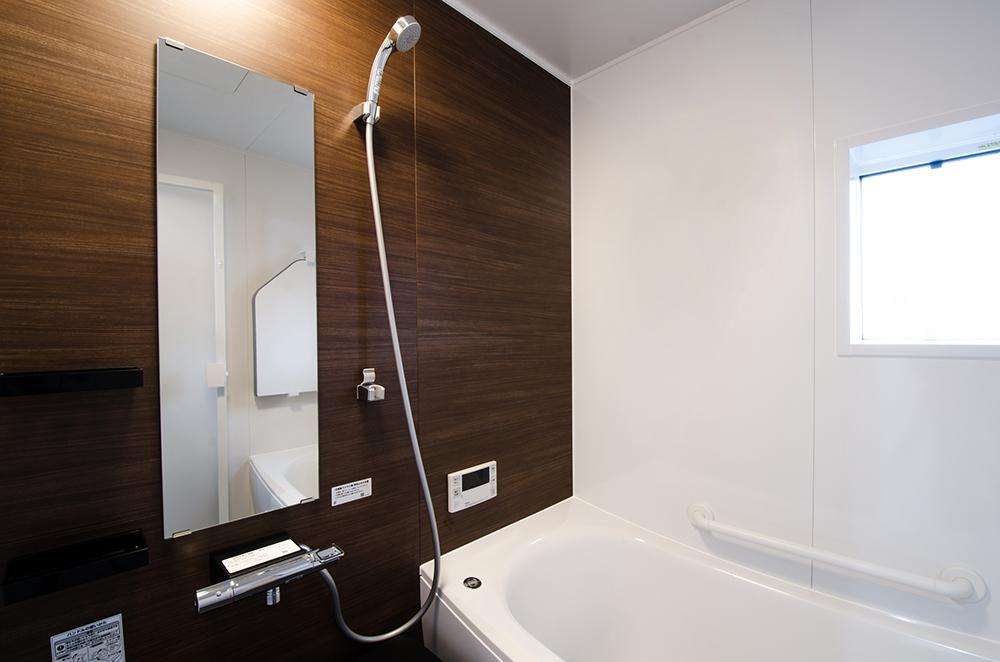 落とせない汚れもある? 浴室の鏡の汚れの種類